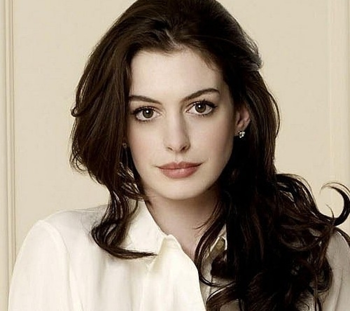 Anne Hathaway Ziegfeld Theatre: Anne Hathaway To Star In Grounded At The Public Theater
