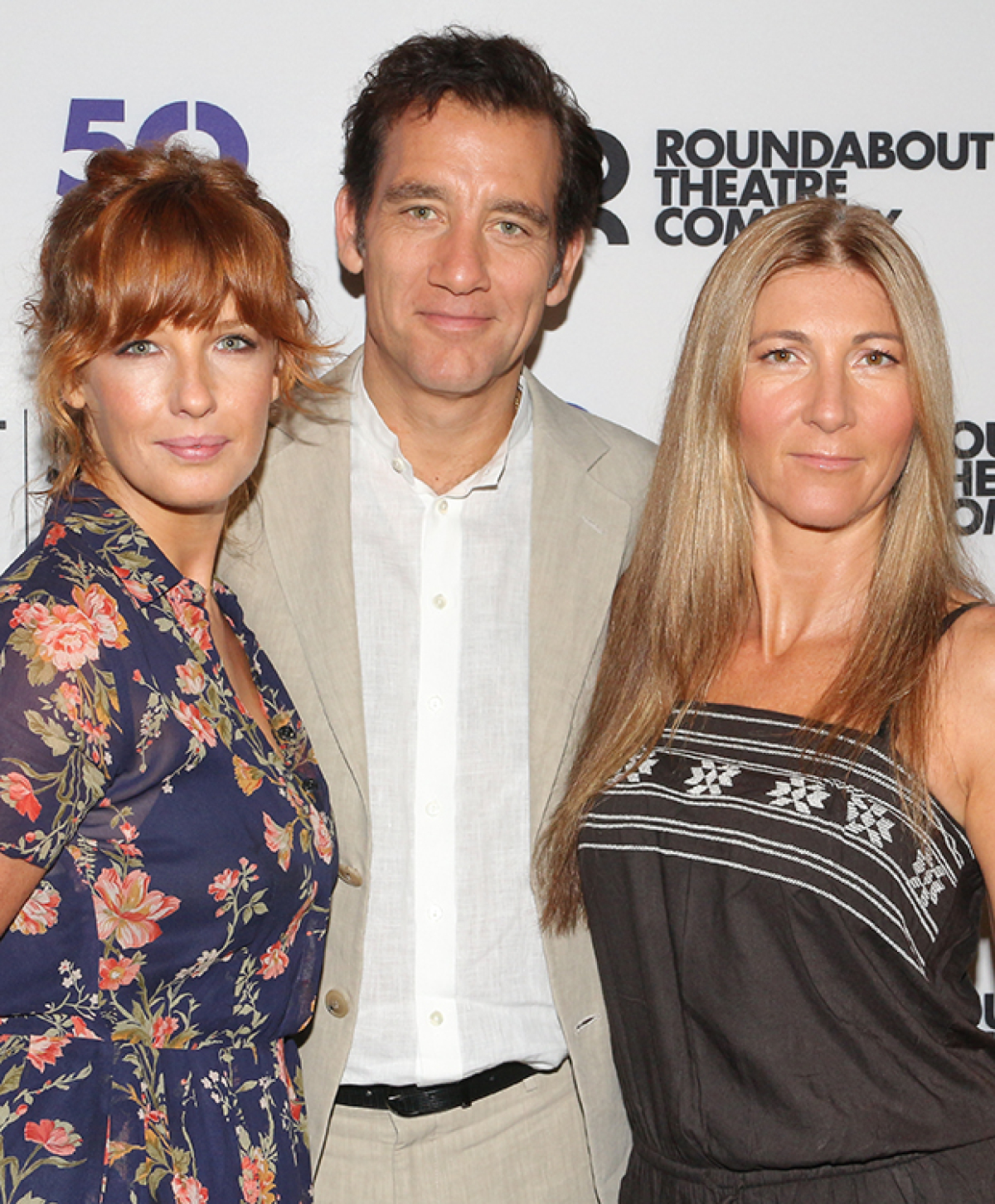 Stars Of Broadway S Old Times Clive Owen Kelly Reilly