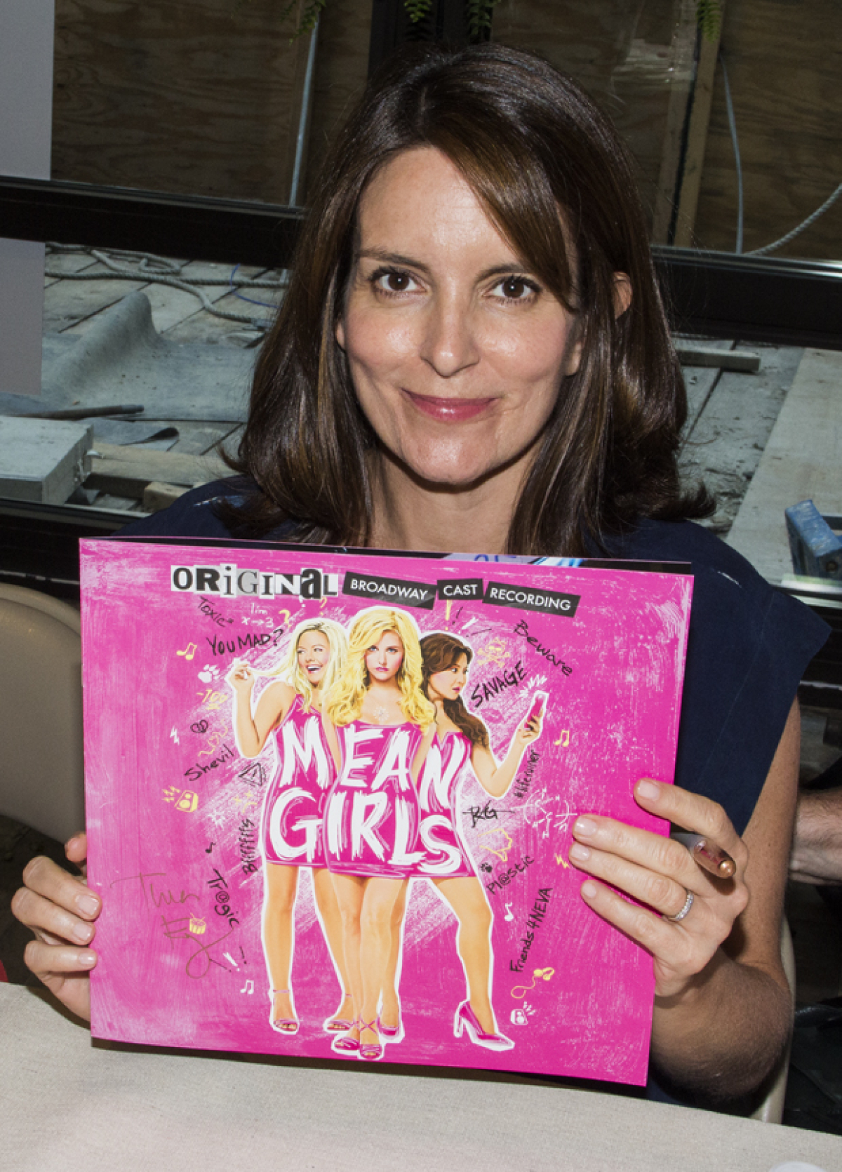 Tina Fey And Mean Girls Stars Sign Vinyl Cast Albums