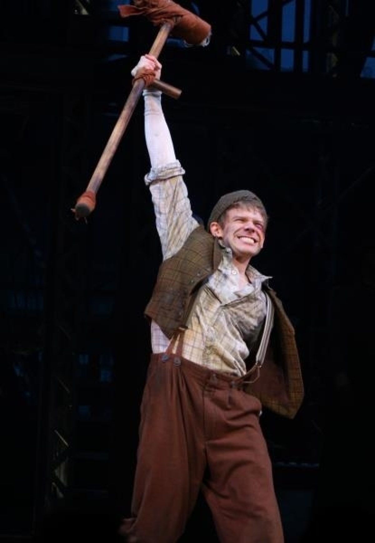 Andrew Keenan Bolger Premieres New Song For Crutchie From