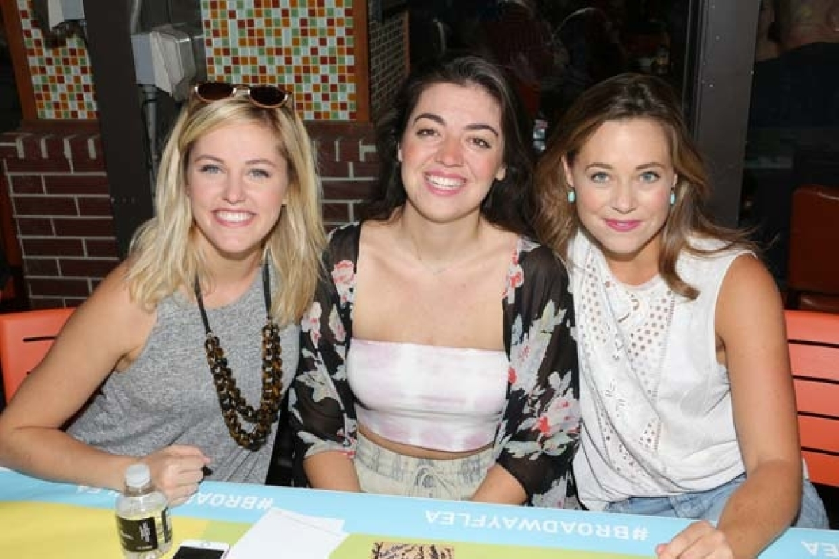 Mean Girls Plans Surprise Guests And Cheese Fries