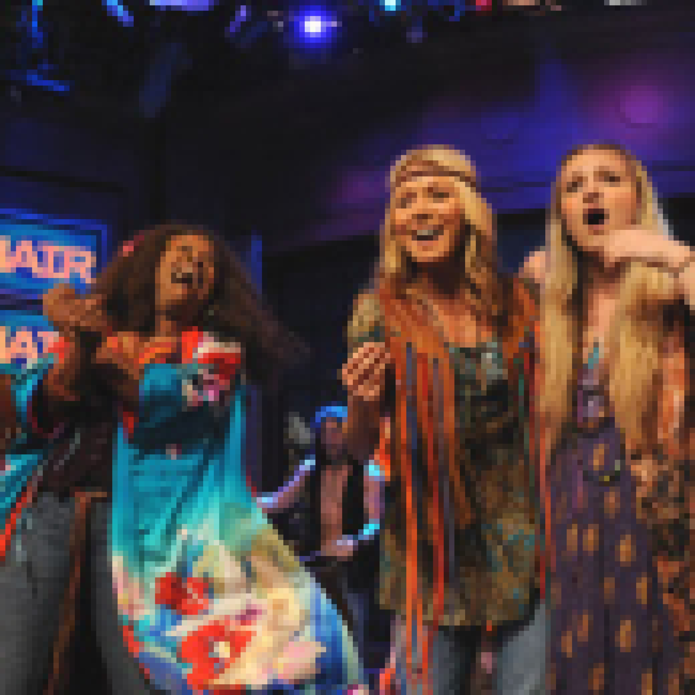 Photo Flash Kelly Ripa Performs With Cast Of Hair On Live With