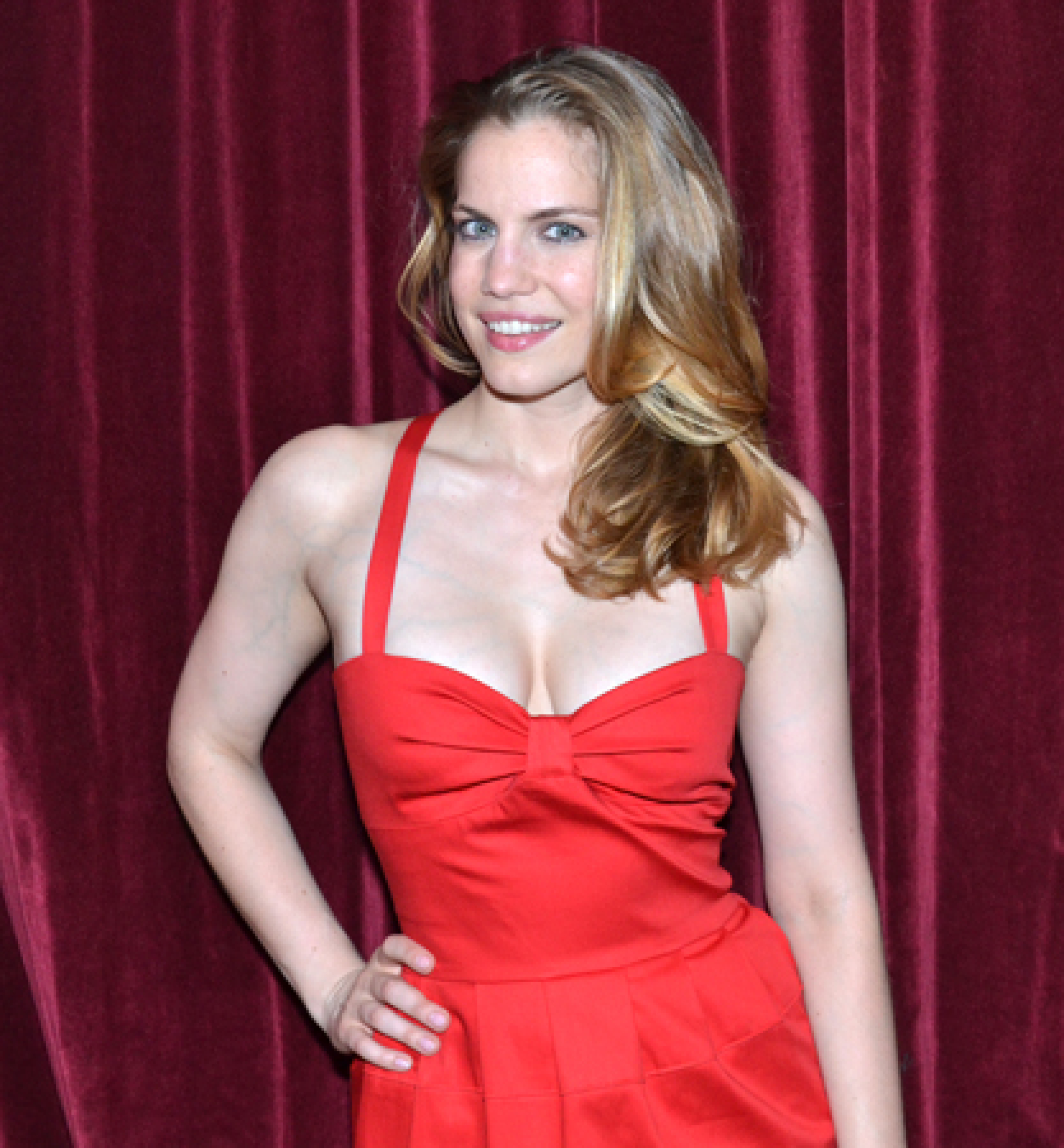 Communication on this topic: Gloria Swanson, anna-chlumsky/