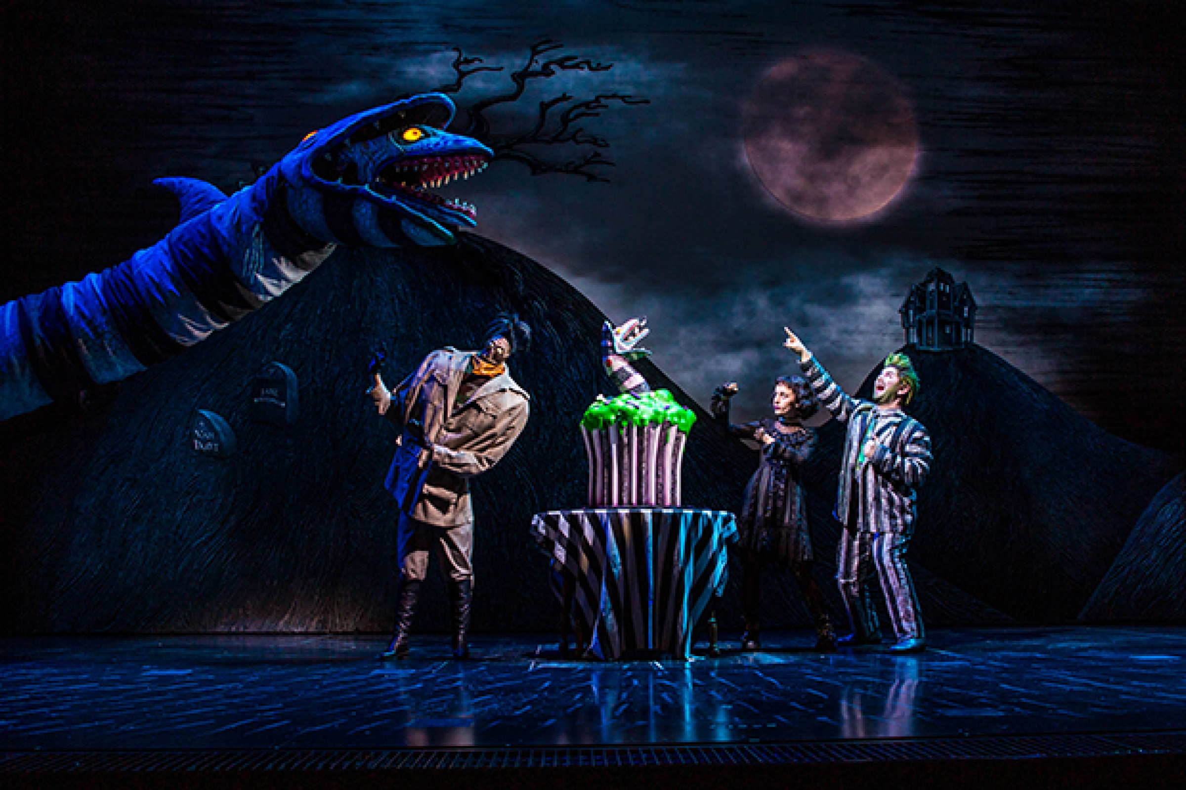 Beetlejuice Lydia The Sandworm And More Celebrate 100th Performance On Broadway Theatermania