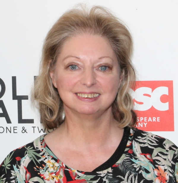 brand new 3f787 2da93 Dame Hilary Mantel to Sign Copies of Wolf Hall at Broadway's ...