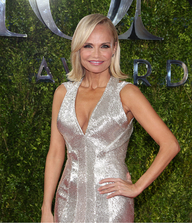 Broadway S Biggest Stars Take The Red Carpet At The 2015 Tony Awards