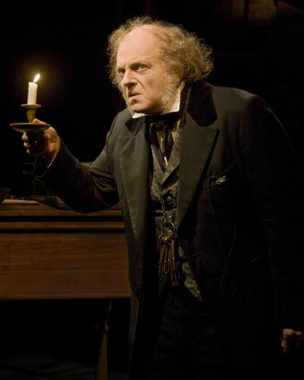 Christmas Carol Scrooge.Alley Theatre Brings A Christmas Carol A Ghost Story Of